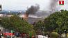 Более сотни пожарных сейчас борются с огнем в торговом центре The Mall в пригороде Лондона Больш за сотню пажарнікаў зараз змагаюцца з агнём у гандлёвым цэнтры The Mall у прыгарадзе Лондана