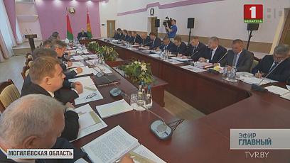Александр Лукашенко совершил рабочие поездки в Стародорожский район и Могилевскую область