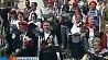 После парада на Красной площади по всей Москве начались народные гуляния Пасля парада на Краснай  плошчы па ўсёй Маскве пачаліся народныя гулянні