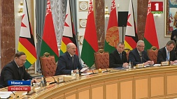 "А. Лукашенко: ""Беларусь открыта к диалогу с Зимбабве""  A.Lukashenko: Belarus open to dialogue with Zimbabwe"