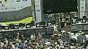 Сотни лучших геймеров и тысячи их болельщиков в центре белорусской столицы Сотні лепшых геймераў і тысячы іх балельшчыкаў у цэнтры беларускай сталіцы Hundreds of the best gamers and thousands of their fans take part in international cyber-festival in the center the Belarusian capital