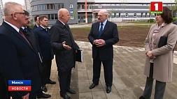 Александр Лукашенко проверил готовность студенческой деревни ко II Европейским играм  Аляксандр Лукашэнка праверыў гатоўнасць студэнцкай вёскі да II Еўрапейскіх гульняў