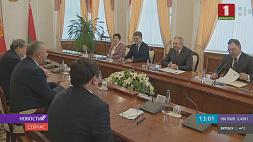 В правительстве обсудили действующие и будущие проекты, объединяющие Беларусь и Кыргызстан Ва ўрадзе абмеркавалі дзеючыя і будучыя праекты, якія аб'ядноўваюць Беларусь і Кыргызстан