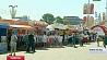 Масштабный школьный базар проходит  на площадке возле Дворца спорта Маштабны школьны кірмаш ладзіцца гэтымі хвілінамі на пляцоўцы каля Палаца спорту