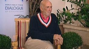 Ричард Фальк - заслуженный юрист США, профессор права Калифорнийского университета, миротворец, посвятивший 20 лет ближневосточному урегулированию