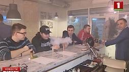 Президент Беларуси подписал декрет, ужесточающий антитабачные законы Прэзідэнт Беларусі падпісаў дэкрэт, які робіць больш жорсткімі антытытунёвыя законы President of Belarus signs decree tightening anti-smoking laws
