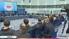 """Александр Лукашенко нацеливает хоккеистов и тренеров минского """"Динамо"""" на выход в плей-офф Аляксандр Лукашэнка нацэльвае хакеістаў і трэнераў мінскага """"Дынама"""" на выхад у плэй-оф Alexander Lukashenko motivates HC Dinamo Minsk players and coaches to reach KHL playoffs"""