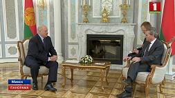 Александр Лукашенко: Беларусь  - надежный партнер для Евросоюза и в ответ рассчитывает на взаимность  Аляксандр Лукашэнка: Беларусь - надзейны партнёр для Еўрасаюза і ў адказ разлічвае на ўзаемнасць  Alexander Lukashenko: Belarus is a reliable partner for the European Union and counts on reciprocity
