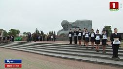 В Брестской крепости прошел митинг-реквием У Брэсцкай крэпасці прайшоў мітынг-рэквіем Requiem rally held at Brest Fortress